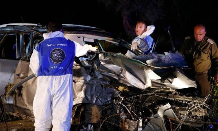 Carro atropela multidão na Cisjordânia e deixa feridos