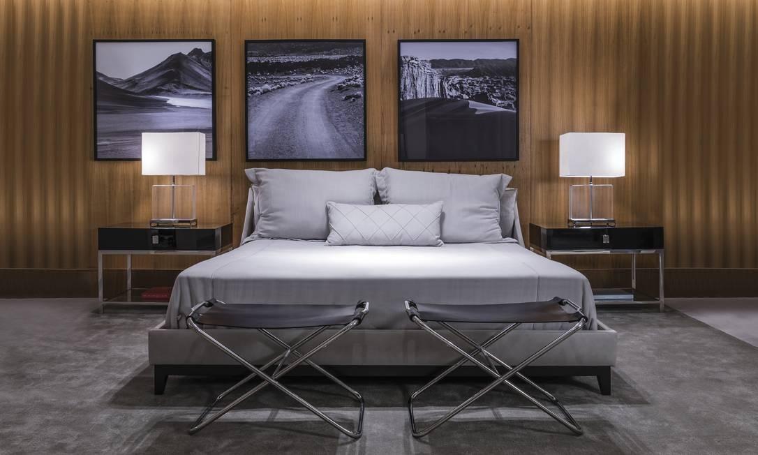 """David Defizio e o quarto de Christian Grey, de """"Cinquenta tons de cinza"""" Edison Garcia / Divulgação"""