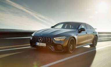 Com um corpanzil de 5,24m de comprimento e mais de duas toneladas, o Mercedes-AMG GT é um superesportivo de quatro portas Foto: Divulgação