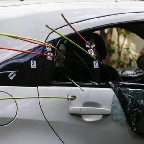 O carro no qual Marielle e Anderson foram mortos foi atingido por 9 tiros Foto: Pablo Jacob / .