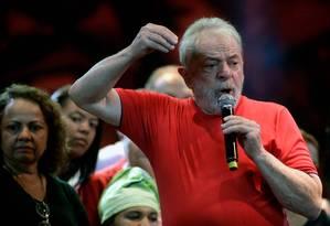 O ex-presidente Lula discursa no Fórum Social Mundial, em Salvador Foto: Lucio Tavora/AFP/15-03-2018