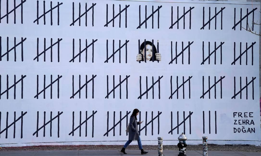 Mural Feito Com Jornal