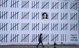 Mural de Banksy em Nova York protesta contra a prisão da artista turca Zehra Dogan Foto: TIMOTHY A. CLARY / AFP