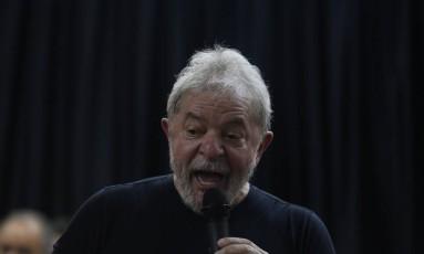 O ex-presidente Lula no lançamento de seu livro em São Paulo Foto: Marcos Alves / Agência O Globo