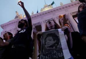 Jovens participam de ato no Rio após a morte da vereadora Marielle Franco Foto: Ricardo Moraes / Reuters / 16-3-18