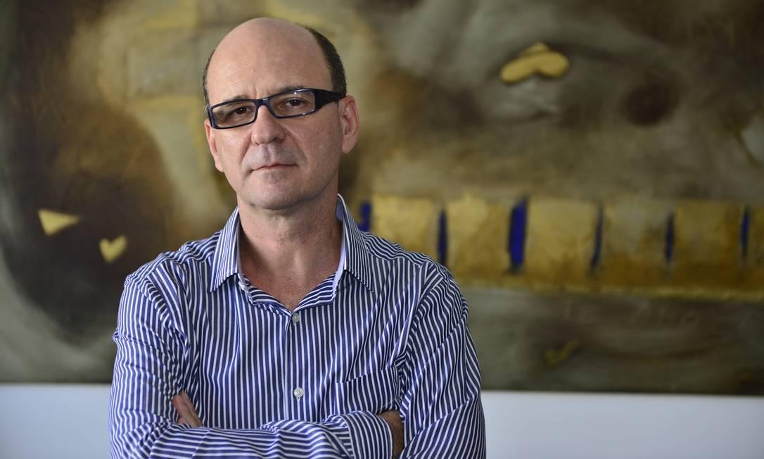 O escritor Luiz Ruffato, que lança novo livro de contos Foto: Tadeu Vilani / Divulgação