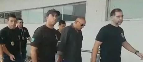 Marcos Vinicius Lips é preso ao desembarcar no aeroporto do Galeão, no Rio Foto: Reprodução