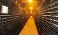 Adega da Freixenet, gigante espanhola produtora de vinhos espumantes Foto: Silvia Fonseca / Agência O Globo