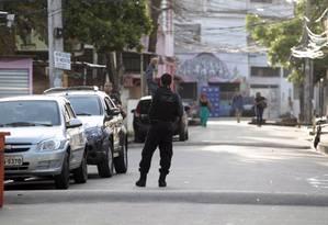 Operação da Polícia Civil em Acari em janeiro Foto: Luiz Ackermann / Agência O Globo