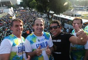 Jair Bolsonaro caminhará junto ao pastor Silas Malafaia e ao senador Magno Malta nas eleições presidenciais Foto: Ângelo Antônio Duarte/30-05-2015