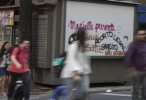 Vários protestos podem ser vistos pelas ruas do Centro Foto: Alexandre Cassiano / Agência O Globo