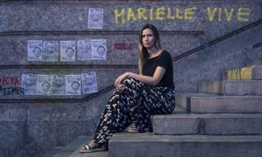 """Elisangela Ribeiro, do """"bonde de intelectuais da favela'' que estudou no curso da Maré com Marielle, é psicóloga usa parte de seu tempo para fazer atendimentos sociais Foto: Leo Martins / Agência O Globo"""