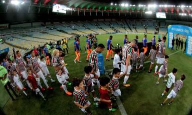 Fluminense recebeu o Nova Iguaçu em um Maracanã quase vazio Foto: Marcelo Theobald / Agência O Globo