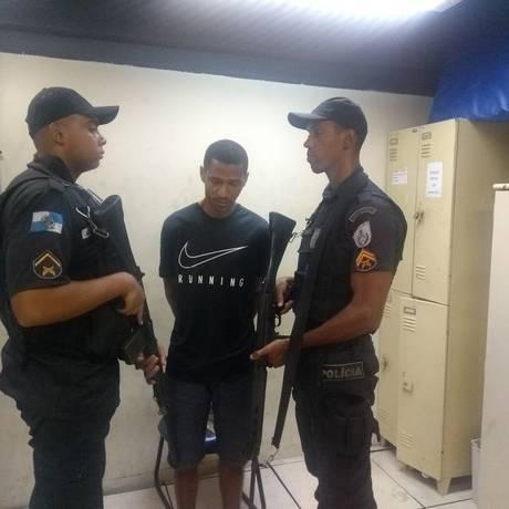 Depois de preso, Bruno foi levada para a delegacia do Leblon Foto: Divulgação/UPP