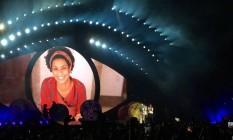 """Katy Perry fez uma homenagem a Marielle na música """"Unconditionally"""", exibindo uma foto da ativista carioca no telão Foto: Bernardo Araújo / Agência O Globo"""
