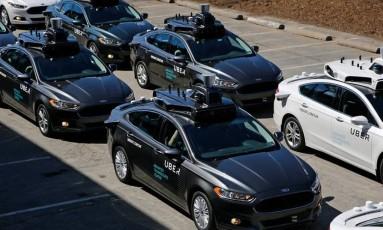 Frota de automóveis Uber auto-dirigidos em 2016 Foto: Gene J. Puskar / Associated Press