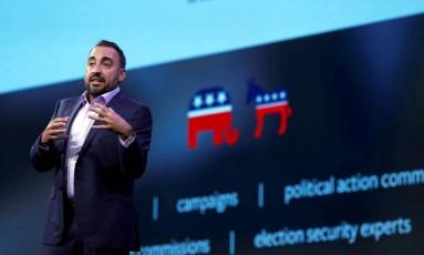 Alex Stamos: chefe de segurança da informação deixará o Facebook, dizem fontes Foto: Steve Marcus / REUTERS
