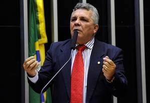 O deputado Alberto Fraga (DEM-DF) discursa no plenário da Câmara Foto: Luis Macedo/Câmara dos Deputados/13-03-2018