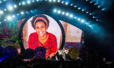 Cantora homenageou vereadora em apresentação no Rio Foto: Tuiki Borges / Divulgação