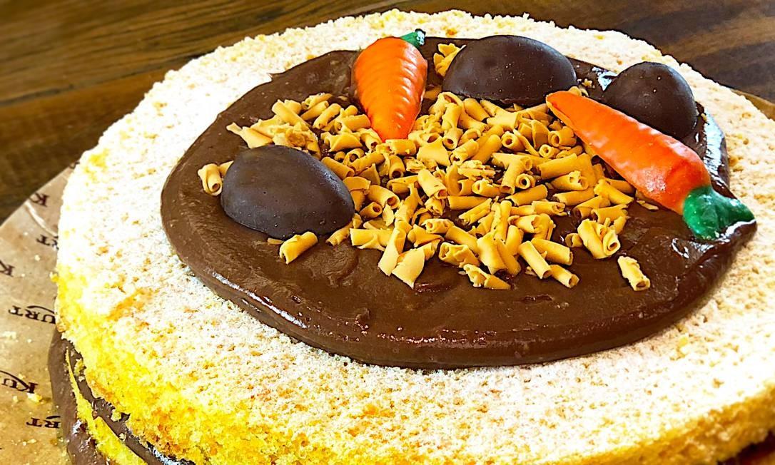 Kurt. Naked cake de cenoura recheado com creme de chocolate e Nutella (R$ 180). Rua General Urquiza 117, Leblon. ( 2294-0599) Foto: Dany Geller / Divulgação