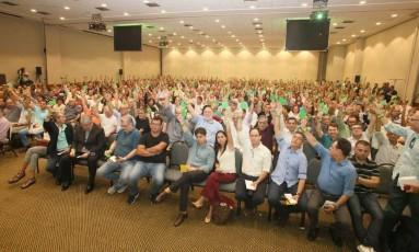 Em assembleia, cooperados da Unimed-Rio votam a favor da venda da sede na Barra da Tijuca Foto: Divulgação