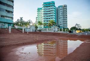 Moradores da Vila do Pan ainda lutam por conclusão de obra estrutural Foto: Brenno Carvalho / Agência O Globo