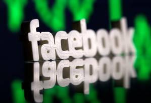 Logomarca do Facebook em 3D. Imagem: Dado Ruvic/Reuters