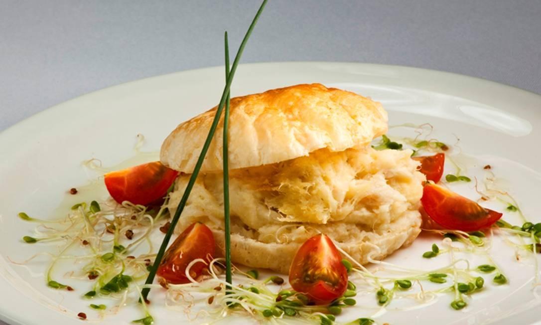 Skylab. O brandade de bacalhau é um dos pratos do bufê, com saladas, pratos frios e quentes e sobremesas. Rio Othon Palace: Av. Atlântica 3.264, Copacabana. (2106-1666) Foto: Divulgação