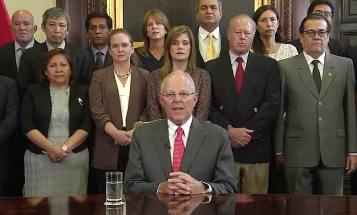 Presidente do Peru renuncia antes de sofrer impeachment por elo com Odebrecht