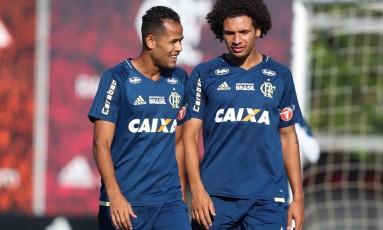 Geuvânio e Arão são exemplos de jogadores com chances recentes Foto: Divulgação