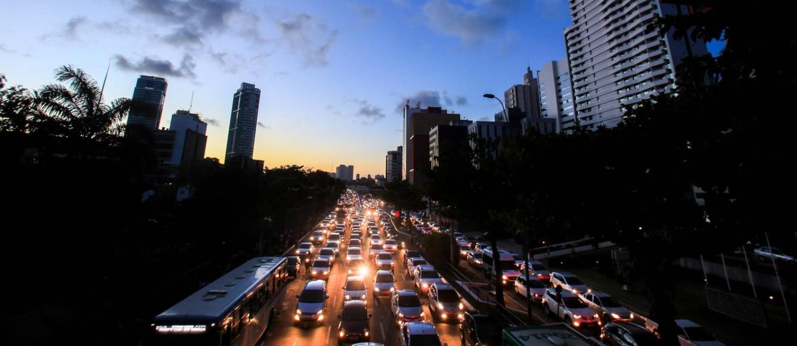 Salvador foi uma das cidades afetadas pelo apagão desta quarta-feira (21) Foto: Raul Spinassé / Agência A Tarde