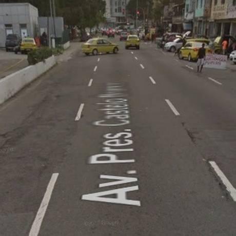 Tiroteio ocorreu na Avenida Radial Oeste, próximo à favela da Metral Foto: Reprodução/Google Street View