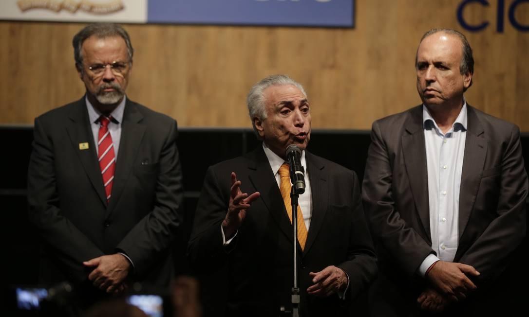 Temer confirma liberação de R$ 1 bilhão para área de segurança do Rio
