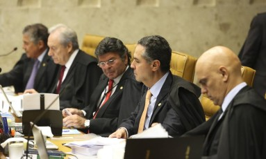 Sessão no Supremo Tribunal Federal para analisar o pedido de habeas corpus do ex-presidente Luiz Inácio Lula da Silva Foto: Ailton Freitas / O Globo