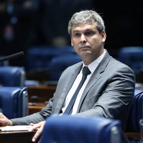O senador Lindbergh Farias (PT-RJ), no plenário do Senado Foto: Ailton de Freitas/Agência O Globo/08-02-2018