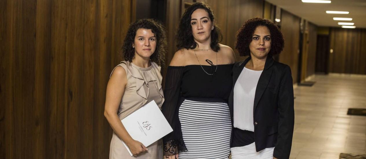 Trio de advogadas já recebeu 17 mil denúncias de ofensas contra a vereadora por e-mail Foto: Bárbara Lopes / O Globo
