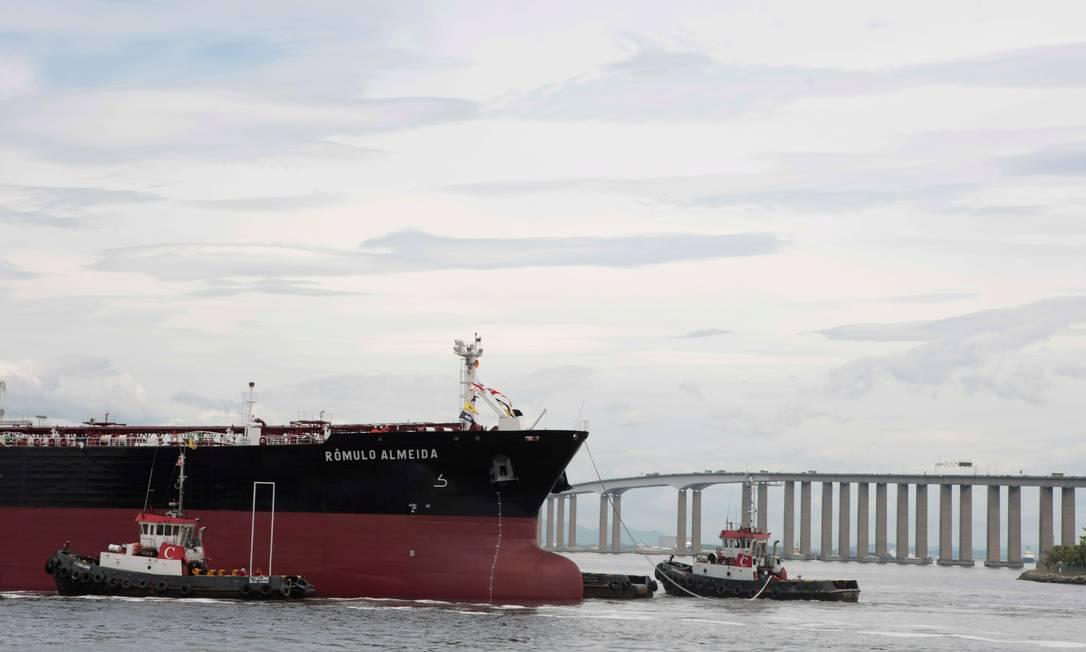 Um dos navios pertencentes à frota da Transpetro 17/01/2013 Foto: Hudson Pontes / Agência O Globo