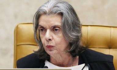 A presidente do STF, ministra Cármen Lúcia, durante a sessão de julgamento do habeas corpus de Lula Foto: Ailton de Freitas / Agência O Globo
