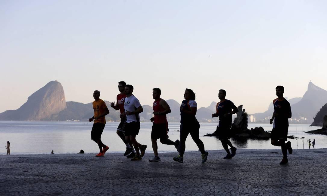 A corrida de rua é considerado um dos esportes mais acessíveis à população como um todo, por seu baixo custo, que se resume praticamente a um bom tênis, e pelo seu grande impacto na qualidade de vida das pessoas Foto: Domingos Peixoto / Domingos Peixoto/17-07-2017