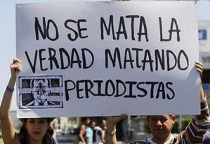 Jornalistas mexicanos protestam contra ameaças à liberdade de expressão após a morte do também jornalista Javier Valdez Foto: Reprodução/La Jornada