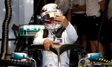 O britânico Lewis Hamilton no treino de sexta-feira Foto: BRANDON MALONE / REUTERS