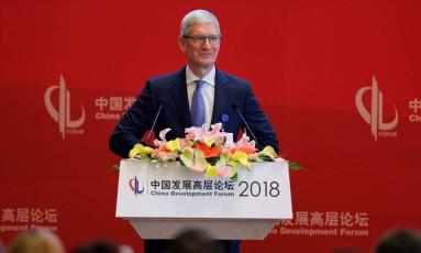 Diretor-executivo da Apple, Tim Cook participou de um fórum em Pequim neste sábado. Foto: Reuters