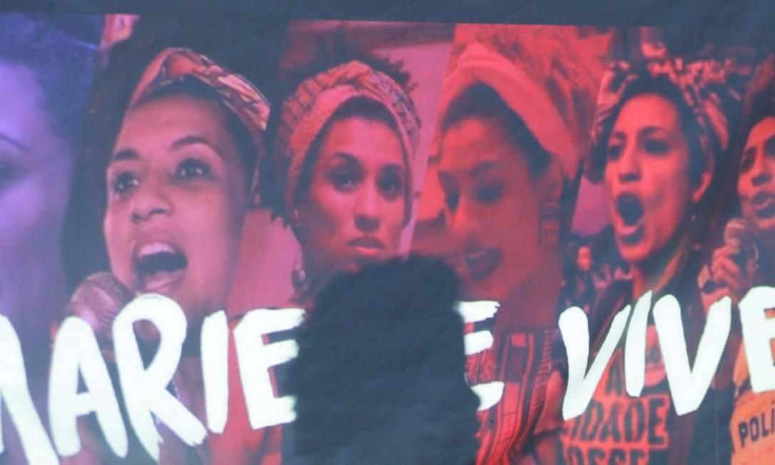 Manifestação em Nova Iguaçu após a morte de Marielle Franco Foto: Cléber Júnior / Agência O Globo