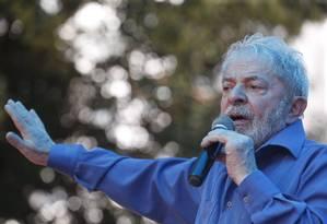 Ex-presidente Lula em comício em Francisco Beltrão, no Paraná Foto: Marcos Alves / Agência O Globo