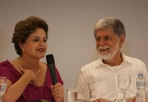 A ex-presidente Dilma Rousseff e o embaixador Celso Amorim concedem entrevista coletiva no Rio Foto: Pedro Teixeira / Agência O Globo