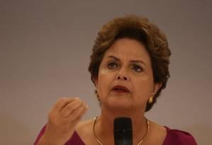 A ex-presidente Dilma Rousseff e o embaixador Celso Amorim concedem entrevista coletiva a jornalistas estrangeiros em hotel de Copacabana, no Rio Foto: Pedro Teixeira / Agência O Globo