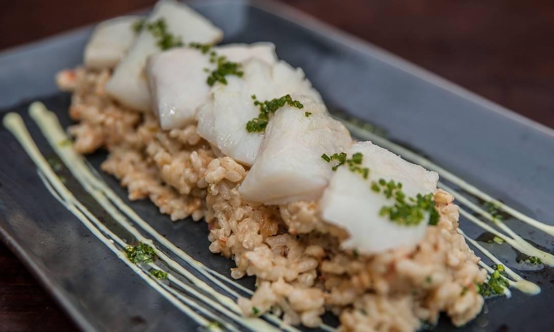 Rubaiyat. Dois novos pratos entram em cena: o arroz com bacalhau (R$98) e o arroz com polvo assado no forno de barro com páprica defumada (R$105). Rua Jardim Botânico 971 (3204-9999) Foto: ROGERIO GOMES / Divulgação