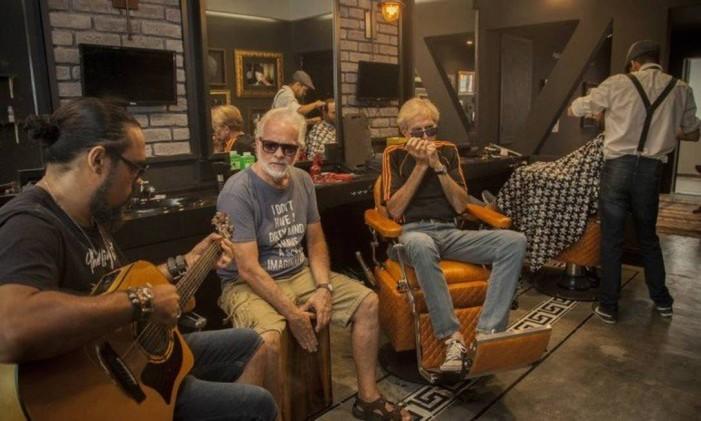 Barbearia do Zé: O Grupo Best Friends, formado por Paulo Cesar Andrade, Alexandre Reis e Ivan Brzezinski, é a atração da casa Foto: Analice Paron