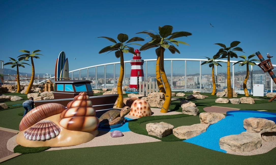 """Área infantil do """"Symphony of the Seas"""", da Royal Caribbean, apresentado para a imprensa nesta terça (27) em Málaga, no sul da Espanha. A embarcação é a maior do mundo e 2.700 cabines, possui uma pista de gelo, parque aquático e quadra de basquete Foto: JORGE GUERRERO / AFP"""