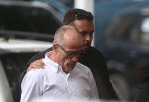 Aloysio Neves, ex-presidente do TCE-RJ, chega na Polícia Federal Foto: Fabiano Rocha / Agência O Globo